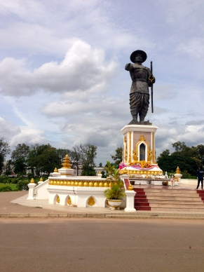 Statue of King Chao Anouvong