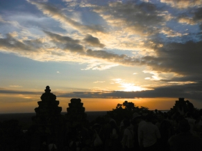 All the tourists are shuttled to Phnom Bakheng for sunset because it supposedly provides the best view of Angkor Wat and it's surrounding and hence makes for fantastic photo opportunities.